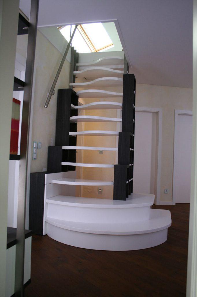 Büchertreppe Als Raumspartreppe