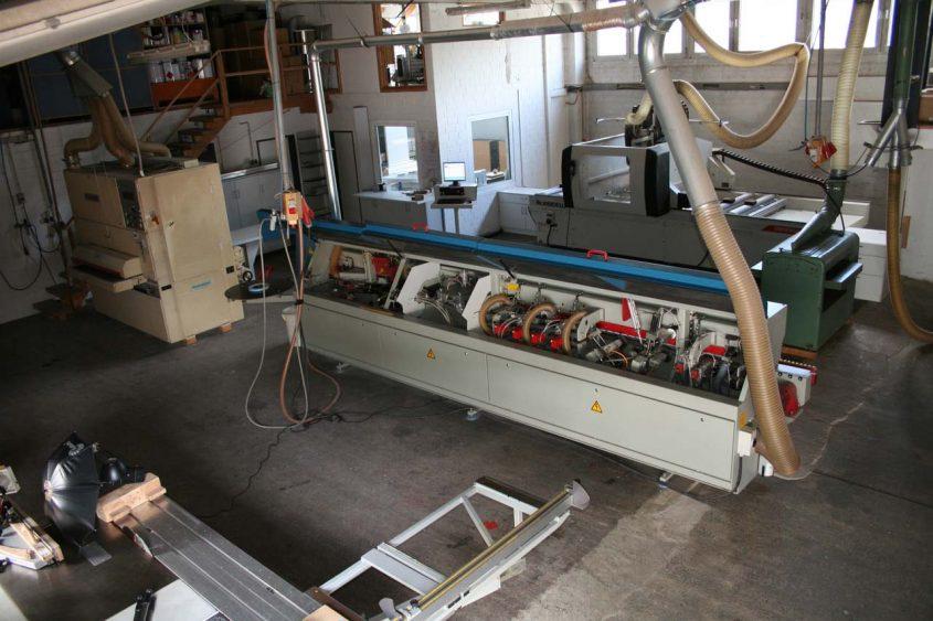 Produktionshalle mit CNC Zentrum